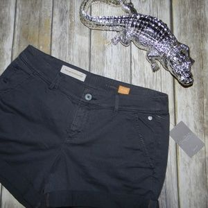 NWT Pilcro and the Letterpress Hyphen Shorts